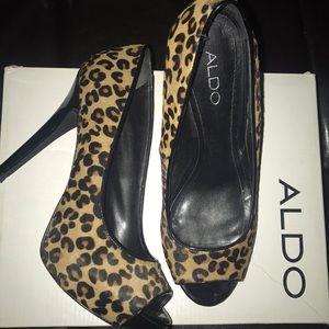 Leopard Pep toe heels